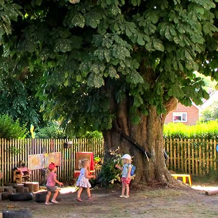 children in the gardan